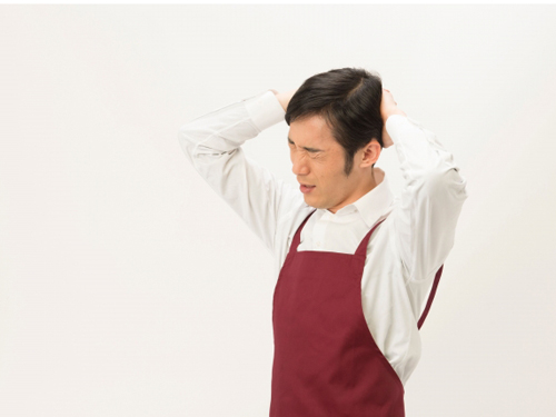 悩む店の人のイメージ画像